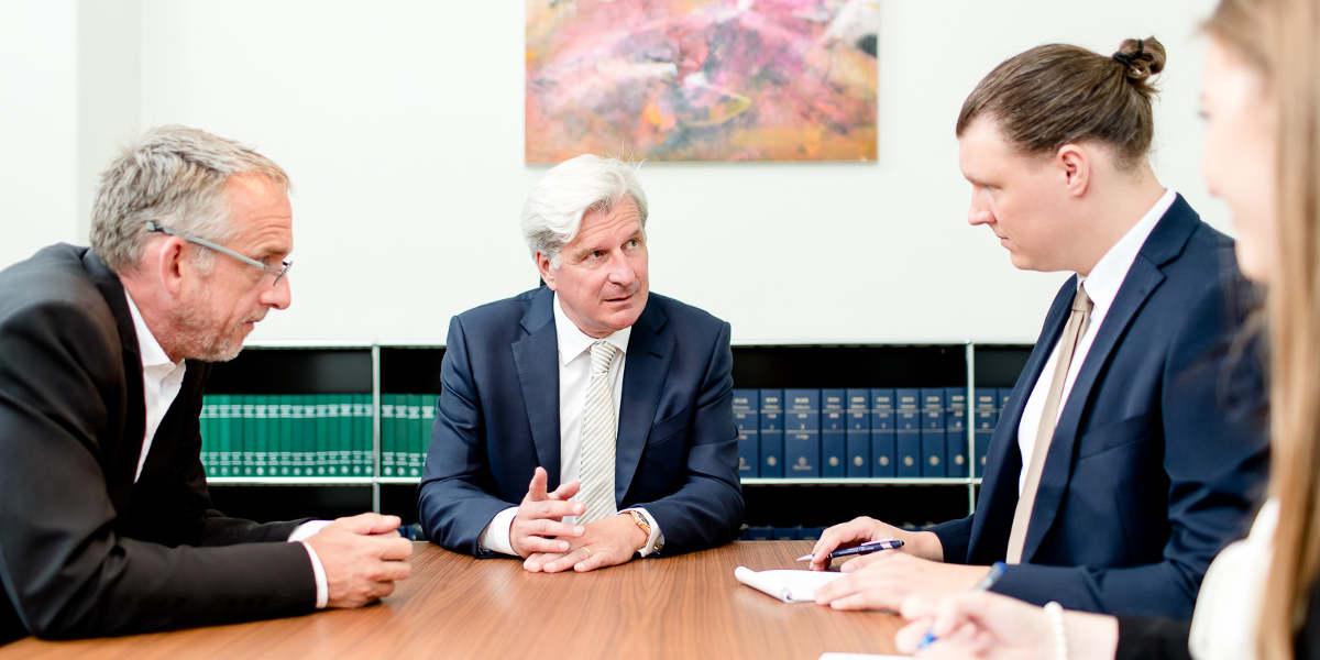Rechtsanwalt Wirtschaftsrecht